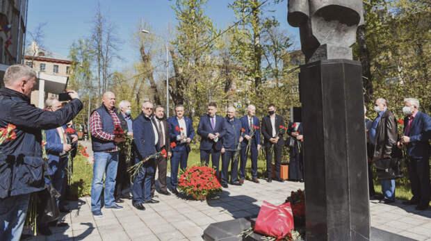 Партия пенсионеров почтила память участников последней битвы ВОВ