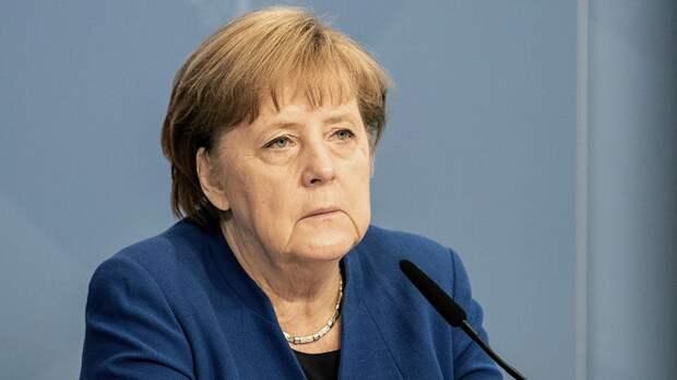 """Меркель призвала быстрее запустить """"СП-2"""" из-за нужды в газе из РФ"""