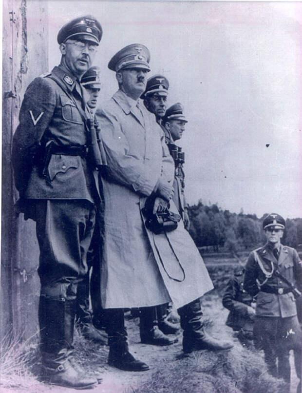 енрих Гиммлер и Адольф Гитлер