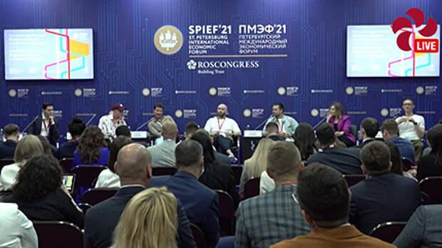 участники дискуссии Кто на ком зарабатывает - блогеры на бизнесе или бизнес блогерах?