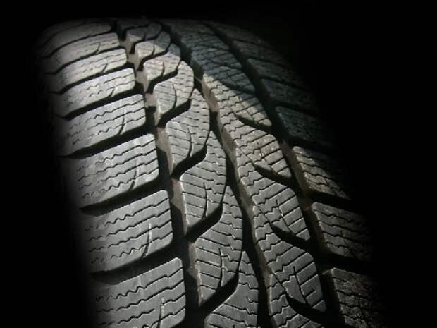 В Челябинске водитель легковушки «раздавил» спавшего на дороге мужчину