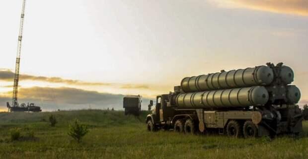 В Госдепе назвали целью российских военных в Венесуэле помощь с С-300