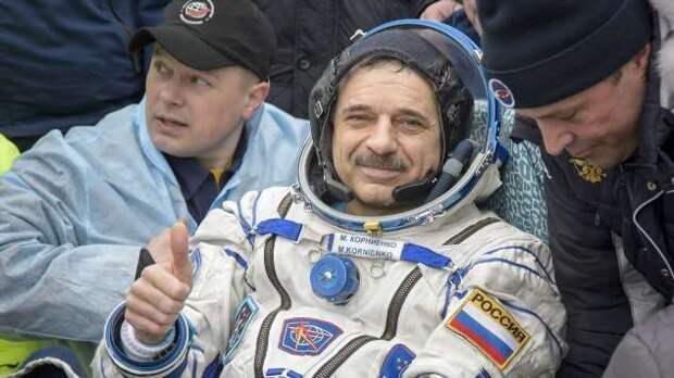 В «Роскосмосе» предложили отказаться от МКС и построить собственную станцию (9 фото)