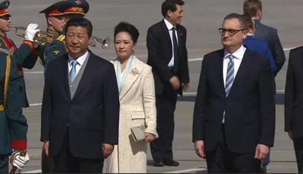 Председатель КНР Си Цзиньпин прибыл в Москву с государственным визитом