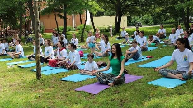 Сегодня — Международный день йоги