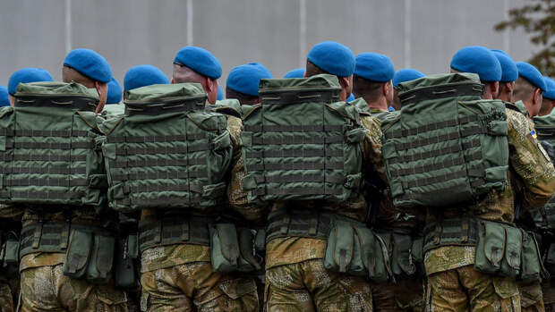 Почему Запад поддерживает Киев в конфликте в Донбассе