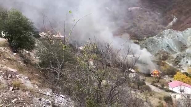 Не достанься же ты никому! Карабах горит алым пламенем