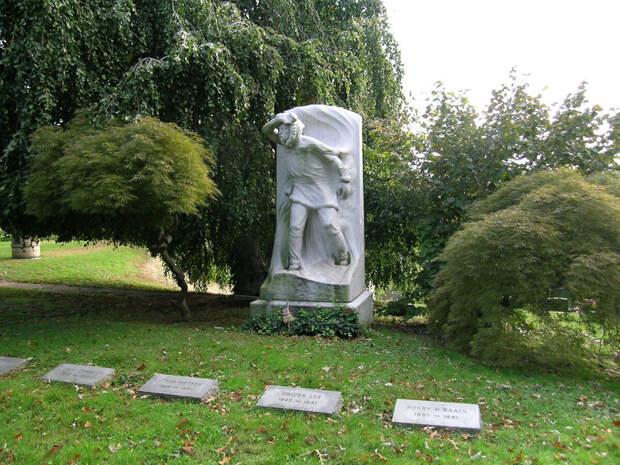 """Мемориальный комплекс """"Жаннетт Мемориал"""". Фото с сайта yakutskhistory.net"""