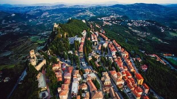 Власти Сан-Марино предлагают туристам приезжать на вакцинацию «Спутником V»
