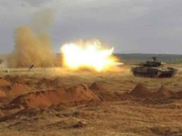 Новость на Newsland: В донецком поселке Карловка идет танковый бой
