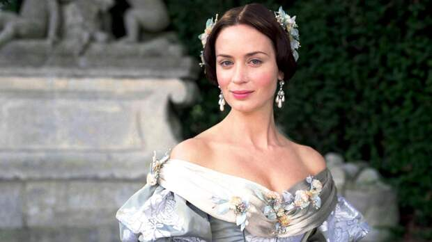 Вся королевская рать: 10 самых красивых фильмов о британской монархии