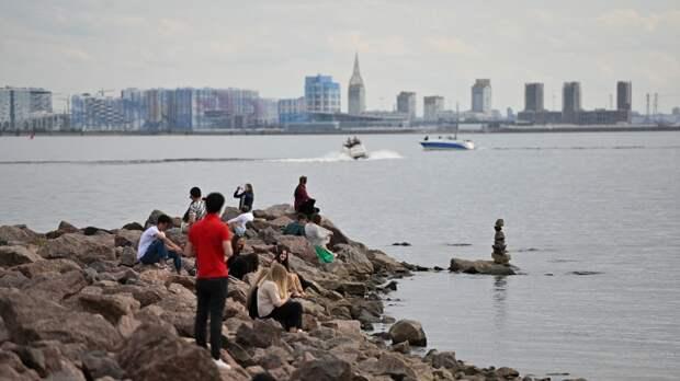 Рассадник заболеваний: почему нельзя купать в водоемах Петербурга