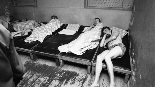 Как советские алкаши попадали в вытрезвители.