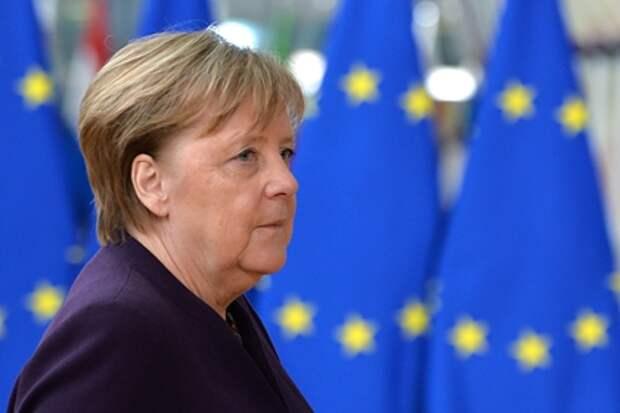 Меркель пожаловалась на агрессивное поведение России