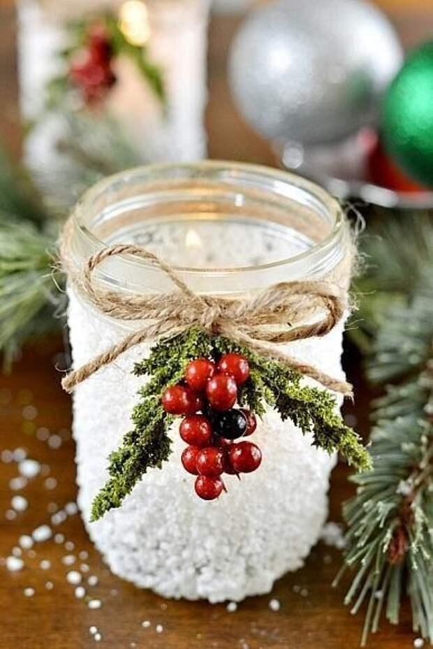 Простой и милый новогодний подсвечник из баночки