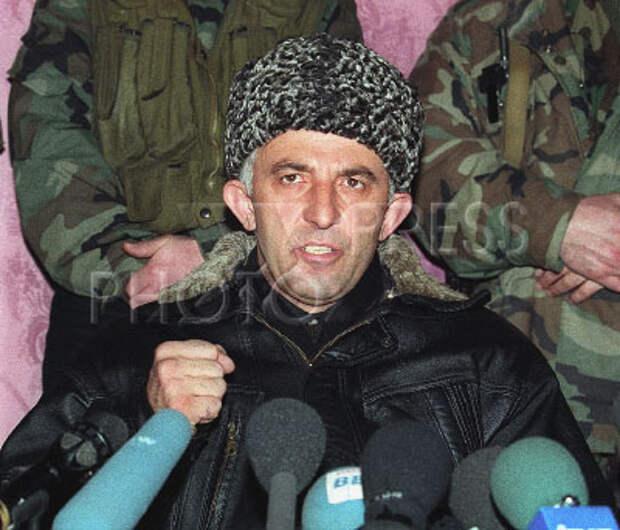 """Программа """"Сегодня"""" на НТВ от 27 января 1997 года. посвященная результатам выборов в Чеченской республике Ичкерия."""