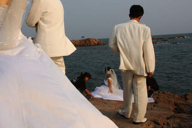Китаец сыграл фальшивую свадьбу ради подарков