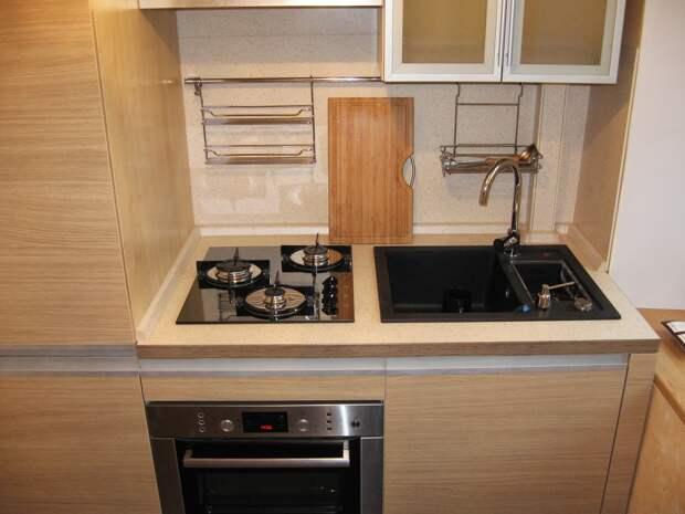 Дизайн прямой кухни в хрущевке