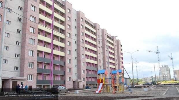 Однорукий охранник поймал выпавшего из окна мальчика на западе Москвы
