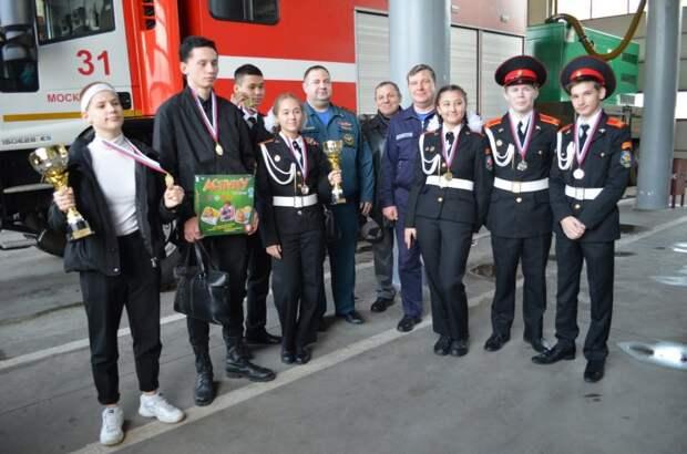 Ученики школы №2098 завоевали серебро на  соревнованиях «Школа безопасности»