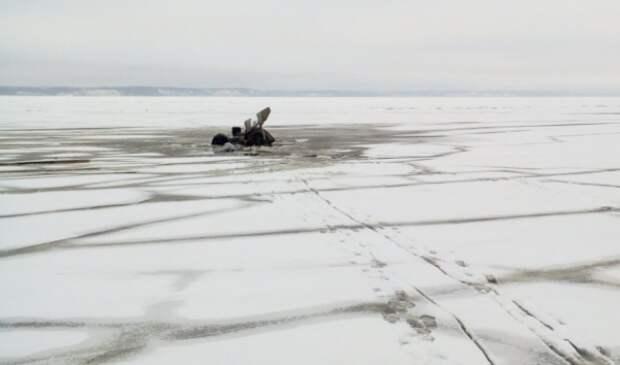 В Ленинградской области удильщики провалились под лед