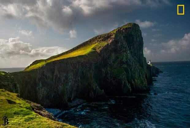 Маяк Нейст-Пойнт на острове Скай в Шотландии national geographic, дикая природа, лучшие фотографии, фотографии природы, фотоконкурс, фотоконкурсы. природа