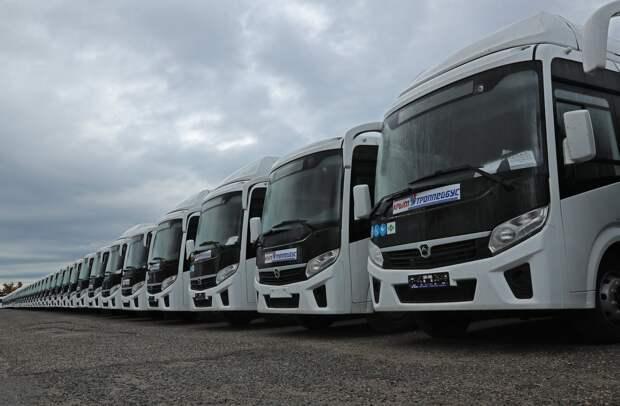 В Крым доставили 400 автобусов, которые решат проблему с общественным транспортом