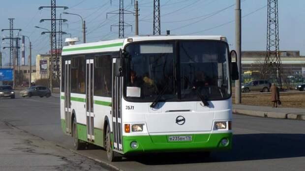 Автобусы отправят в объезд из-за закрытия перекрёстка Авиаконструкторов и Глухарской