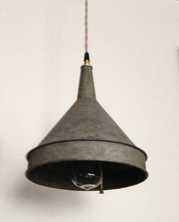 8. Лампу можно собрать из всего вторая жизнь старых вещей, идеи, новая жизнь, переделка, фото