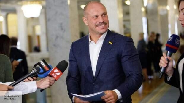 Кива рассказал, почему Зеленскому выгодно держать Донбасс в изоляции