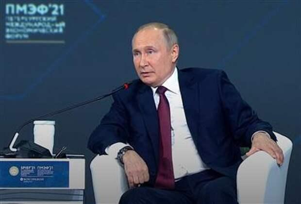 Если нефтяники уйдут от расчетов в долларе, то это будет серьезный удар по нему - Путин