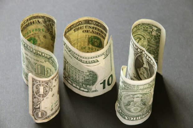 Названы причины роста доллара до 70 рублей