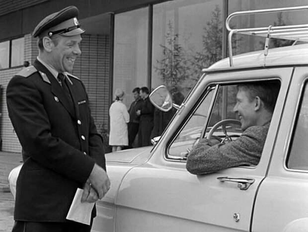 Кадр из фильма «Берегись автомобиля». / Фото: www.rrnews.ru
