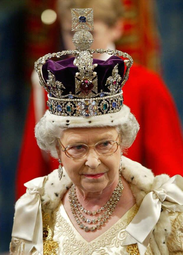 Соросята бросают вызов Британской короне