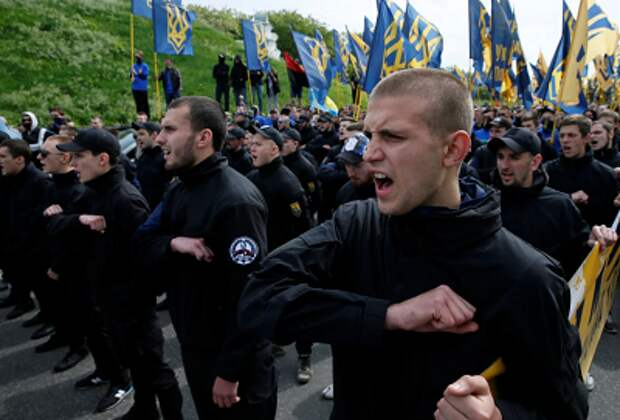 Зачем украинской власти нужны нацисты и радикалы