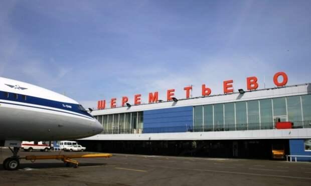 Самолет Москва—Сеул вернули в Шереметьево из-за приступа пассажира