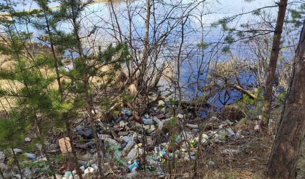 Свалки в водоохранной зоне реки Вилюй обнаружены в Горноуральском городском округе