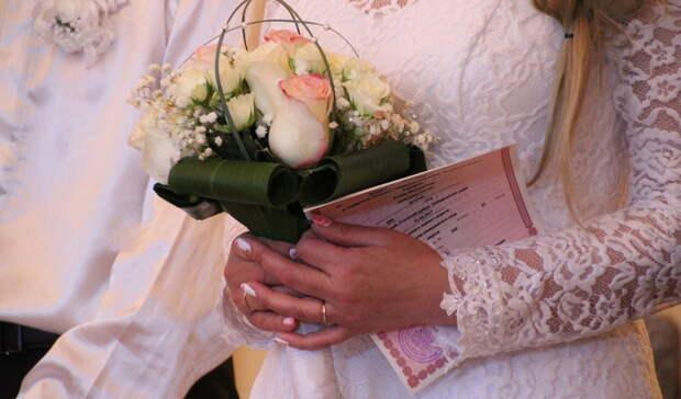Хранительницы очага: топ-5 богатейших жен депутатов Казгордумы