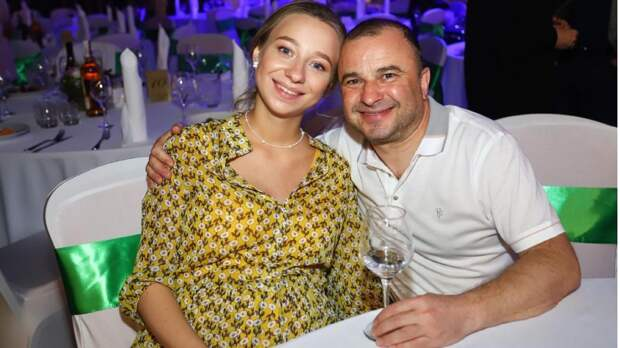 (Фото) Виктор Павлик стал отцом в четвертый раз: публично намекнул на рождение младшего сына Миши. Детали