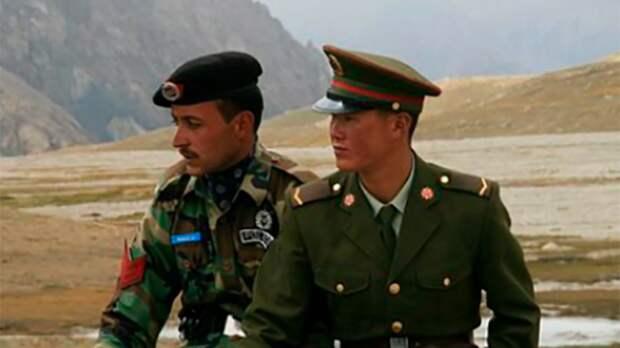 Замещая США: «вакуум» в Афганистане заполнит соперник Вашингтона