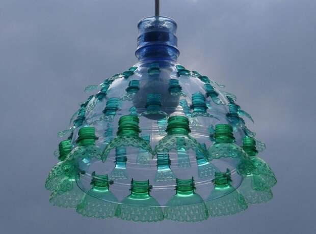 7 адских фото люстр из пластиковых бутылок