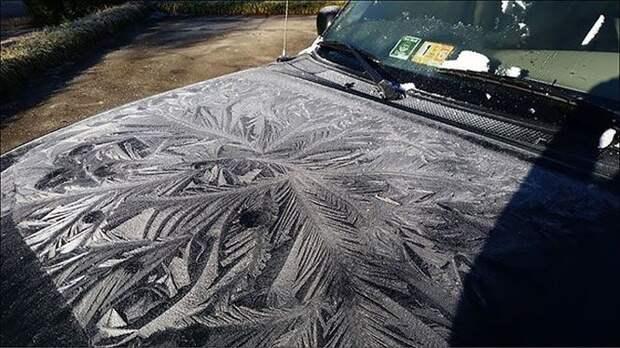 Узоры на капоте автомобиля зима, красиво, мороз