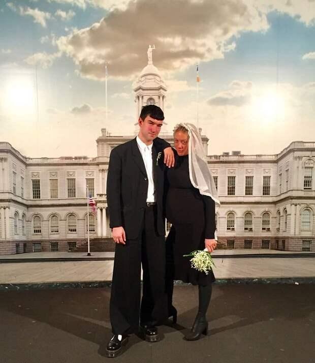 Хлоя Севеньи тайно вышла замуж
