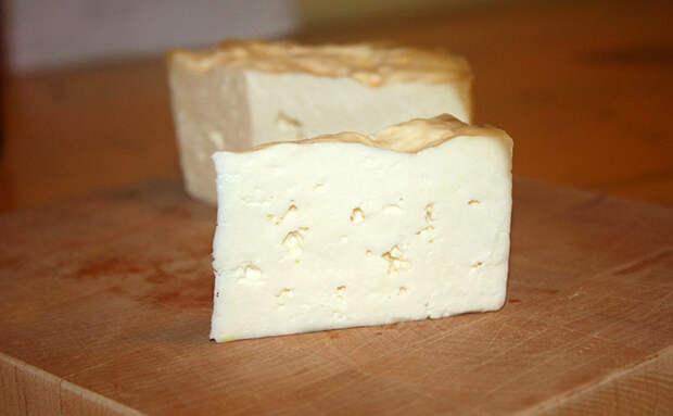 Добавляем творог в молоко и сыр готов за 15 минут. Рецепт из СССР: выход сыра почти без остатка