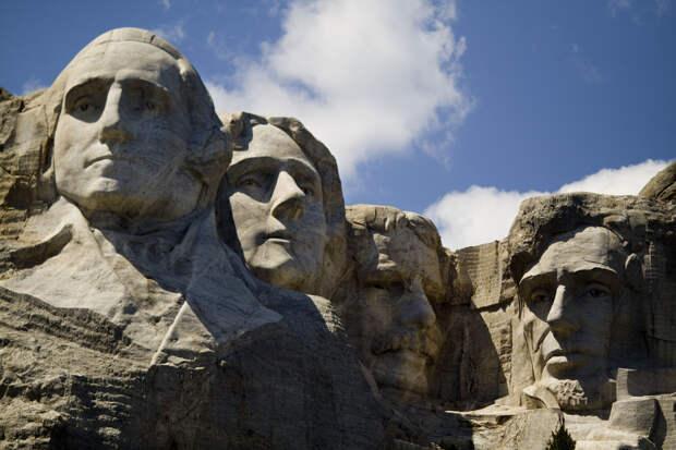 """Колумба утопили в озере: Погромщики США копируют украинскую """"десоветизацию"""""""