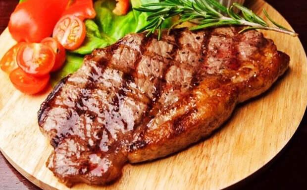 Жарим стейк за 7 минут на обычной сковороде по совету повара