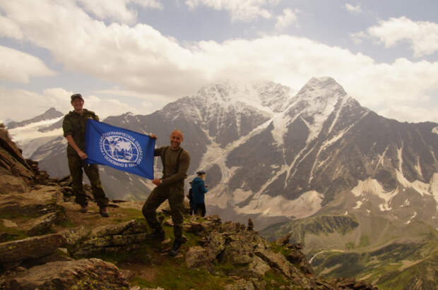Преподаватели Краснодарского авиаучилища совершили восхождение на Эльбрус