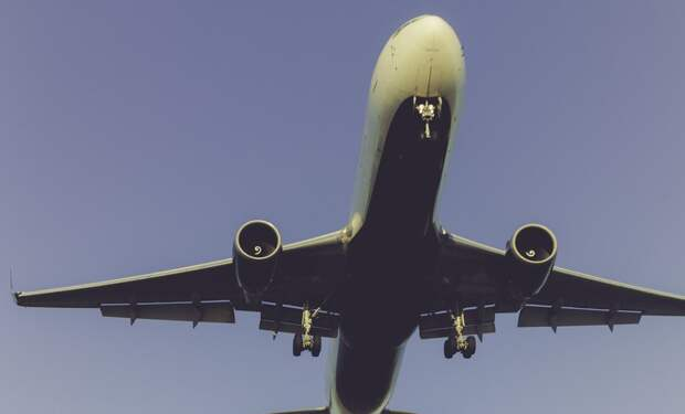 Самолет с пассажирами совершил аварийную посадку в Симферополе