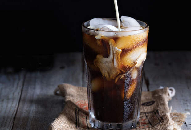 Что будет если смешать Колу с растворимым кофе