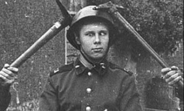 Посвящение в деды: негласные обряды Советской Армии